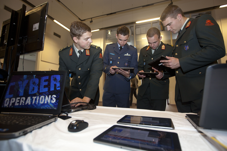 open sollicitatie defensie Defensie Cyber Commando | Cyber security | Defensie.nl