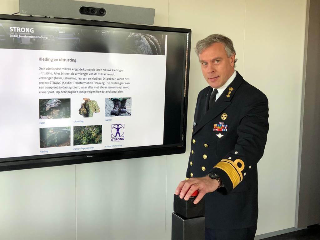 Informatie over nieuwe kleding en uitrusting op defensie.nl