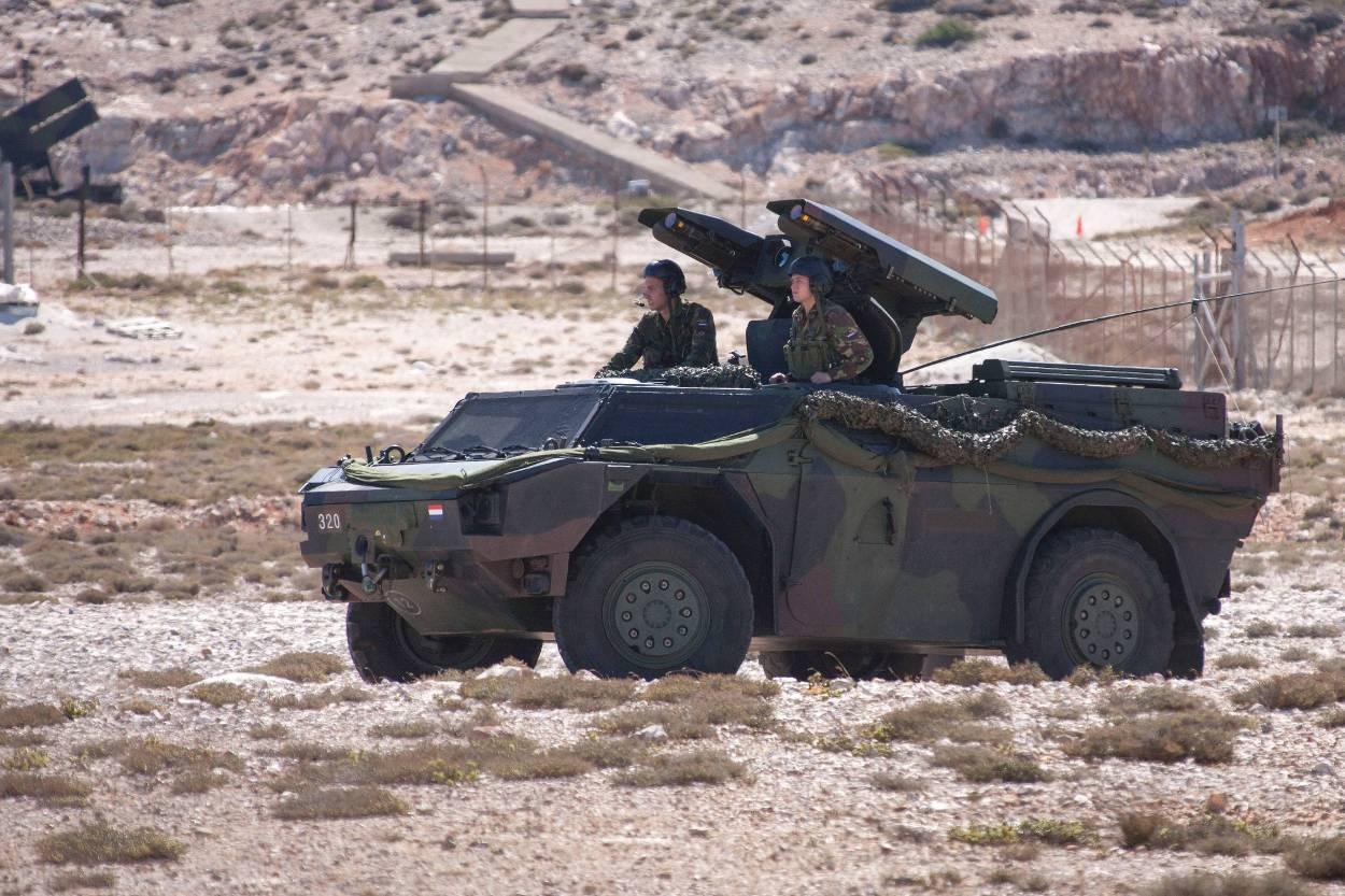Een Fennek Stinger Weapon Platform tijdens een schietoefening op Kreta, 2013.