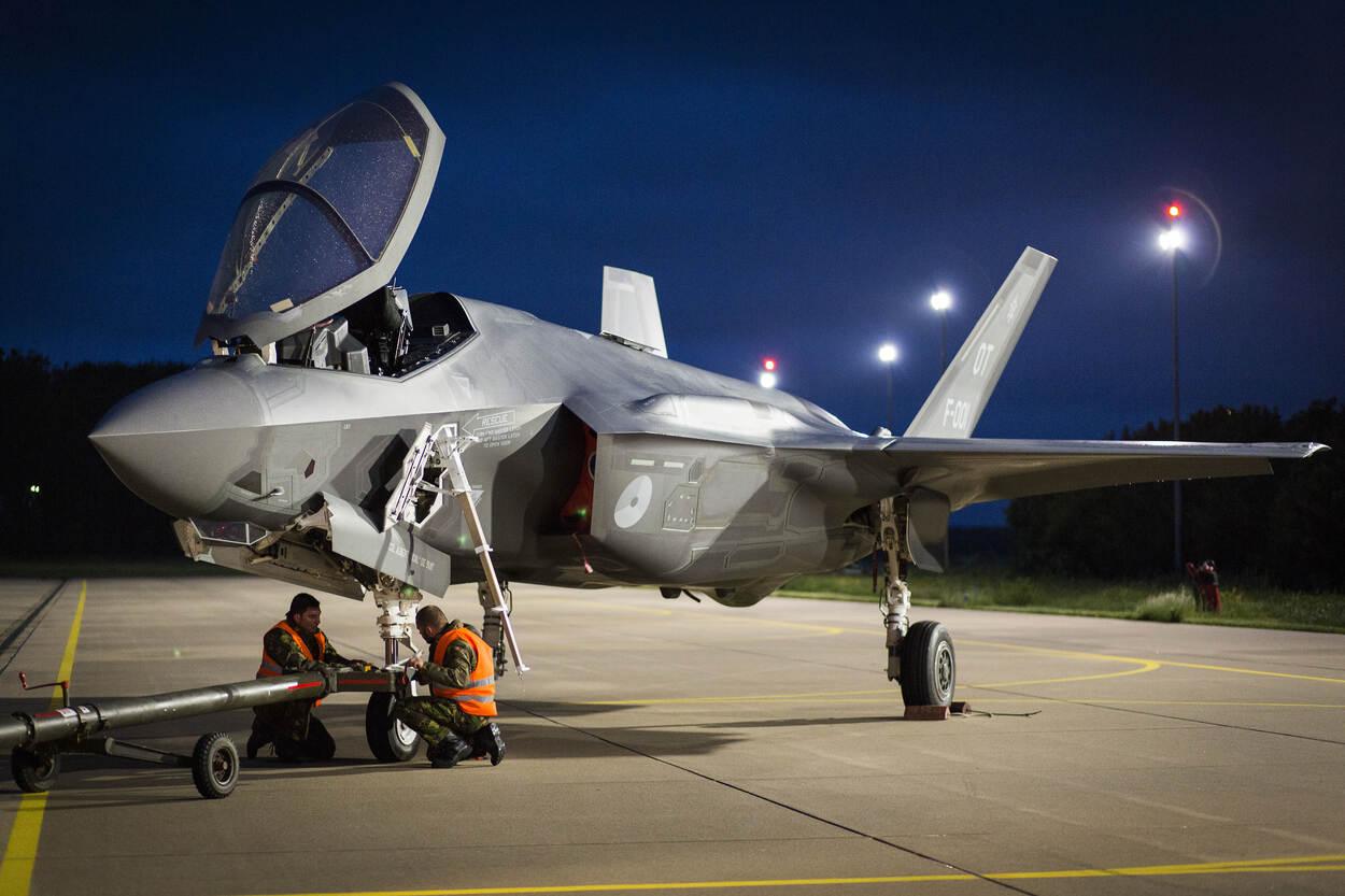 F-35 kort na de landing op Vliegbasis Leeuwarden voor het kennismakingsbezoek in 2016.