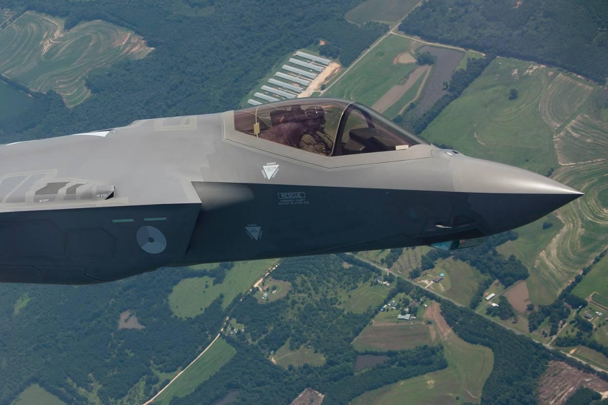 #FAA | VIDEO - Aankomst F-35 in Nederland - Historisch moment! #F35