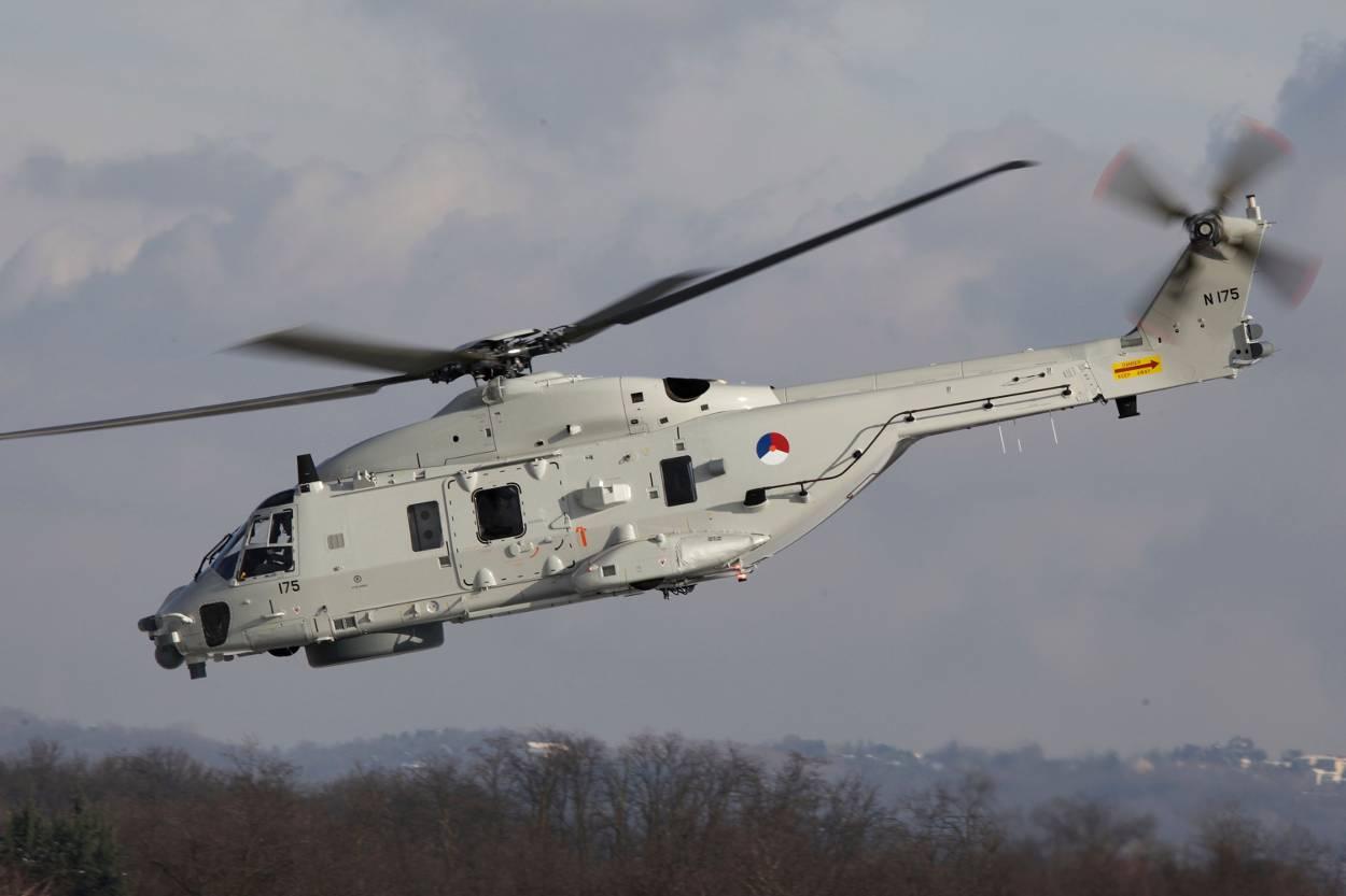 zijaanzicht-nh90-helikopter.jpg
