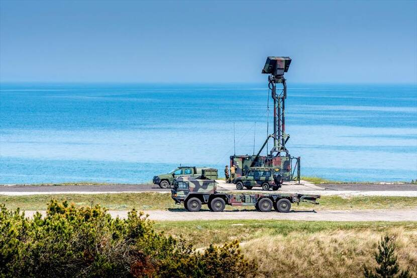 Nederlandse radarinstallatie van de binationale Shorad-task force (short range air defence) aan de Poolse Oostzeekust.