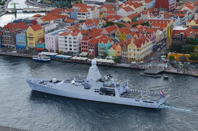 Zr.Ms. Zeeland nieuwe stationsschip Caribisch gebied.