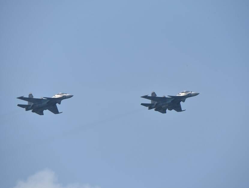 Русские самолеты над Черным морем.