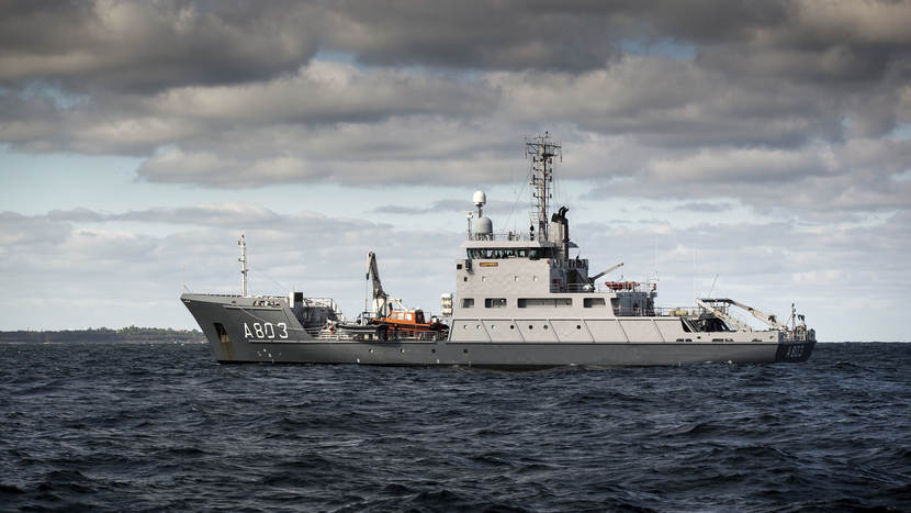 Hydrografisch opnemingsvaartuig Zr.Ms. Luymes.