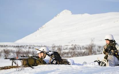Mariniers tijdens een bergtraining in Noorwegen.