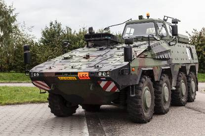 Boxer-driver trainer vehicle