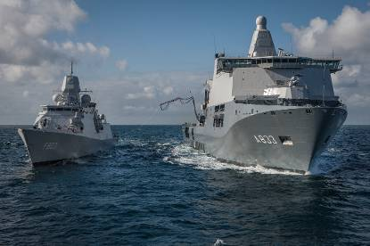 Marineschepen Tromp en Karel Doorman.